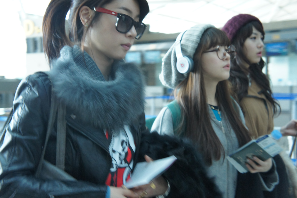 Pics 110208 girl s day airport fashion pictures from their china