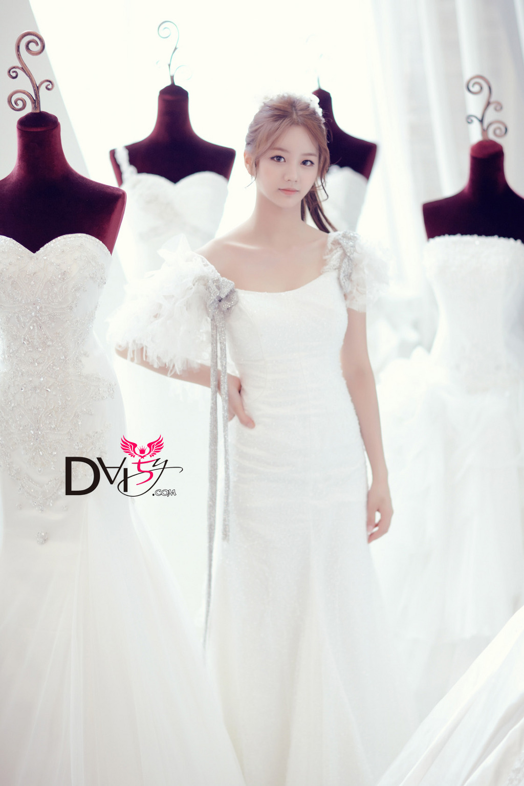 Pics Girl S Day Hyeri Everyday Wedding Dress Concept